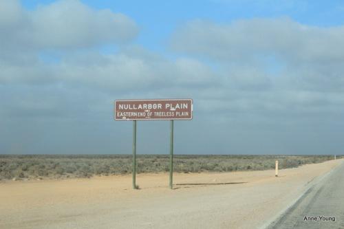 Australia, road sign, Nullabor Plain